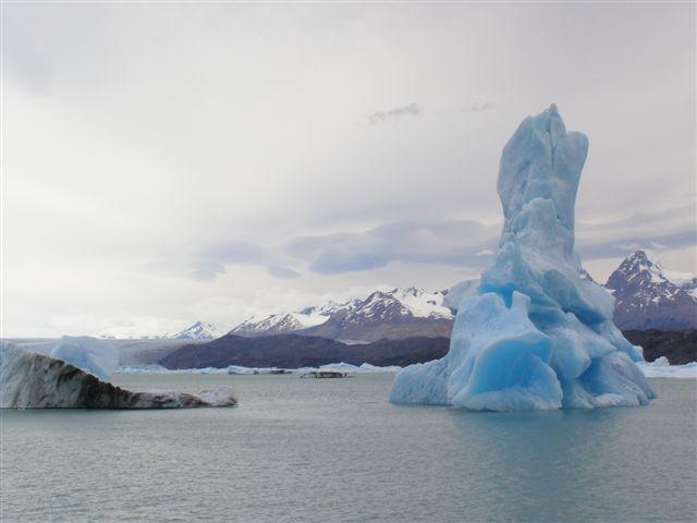 Bizarre ijsschots vormen, Patagonie