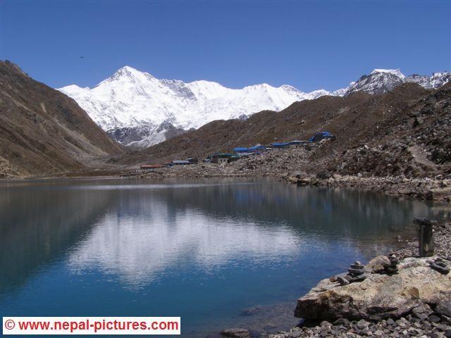 Dudh Pokhari Gokyo Nepal