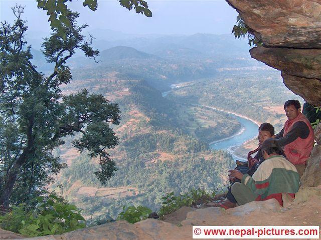 Uitzicht vanuit de grootste grot van Nepal