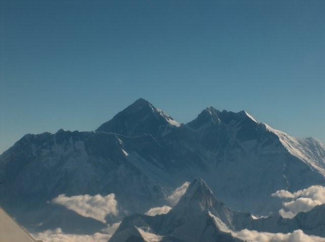 Mount Everest vanuit een vliegtuig