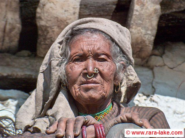 Old woman in village between Talcha and Gam Ghadi